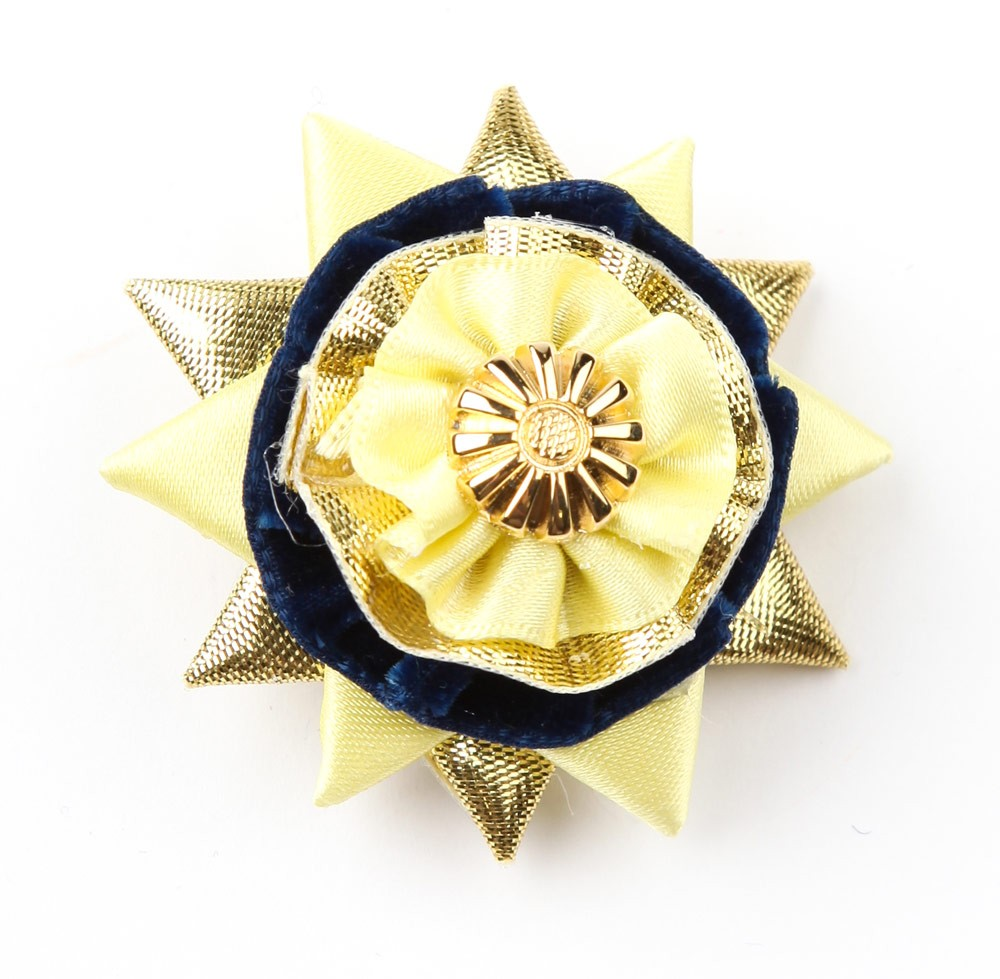 Yellow/navy/gold Classic Buttonhole.